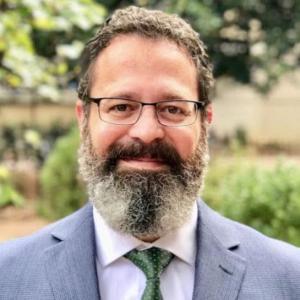 Headshot of Professor Mark Crescenzi